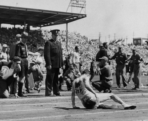 Jim Peters collapses at the Commonwealth Games in 1954