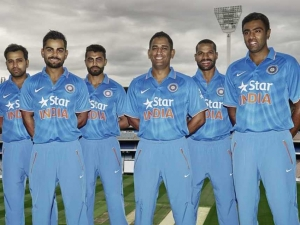 Cricket India 2015, from left: Rohit, Kohli, Jadeja, Dhoni, Dhawan & Ashwin.