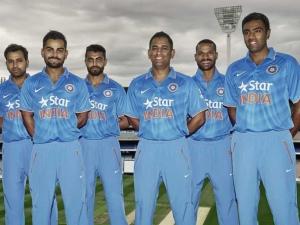 Cricket India 2015, from left: Rohit, Kohli, Jadeja, Dhoni, Dhawan & Ashwin.